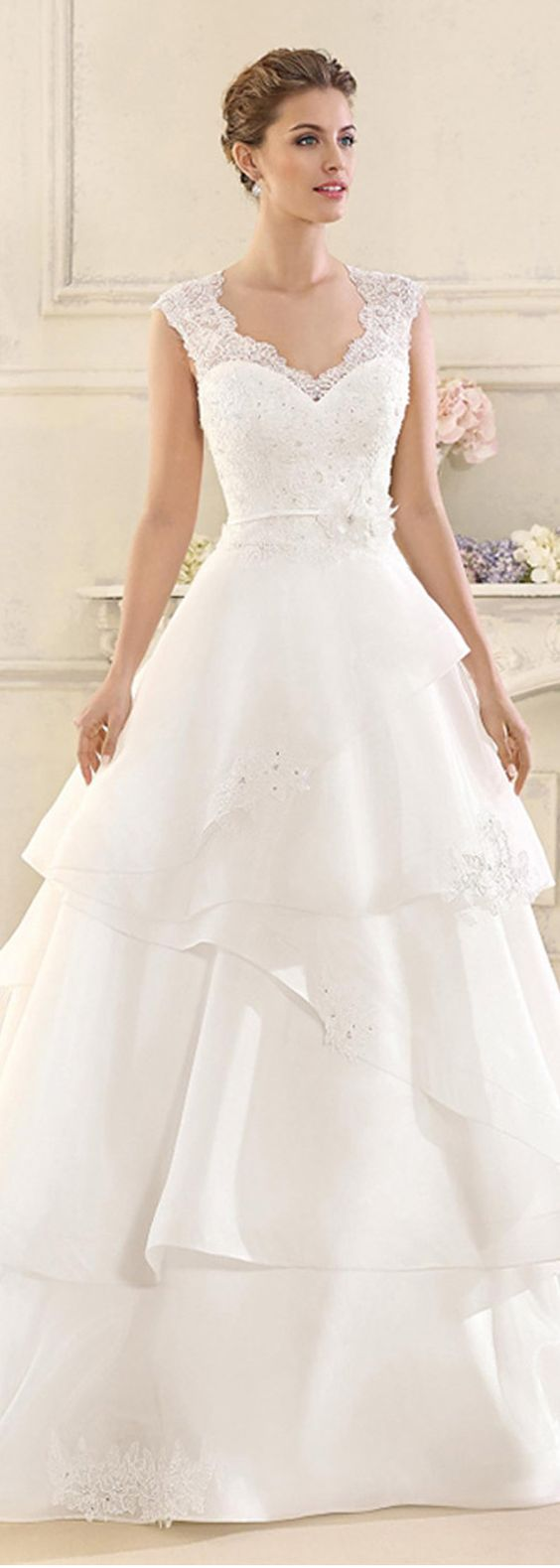 Charming Tulle & Organza Satin V-Neck A-line Wedding Dresses With Beaded Lace Appliques