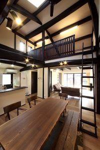天井裏の納屋はロフトに一新 天井高を生かしたスペースは物置や