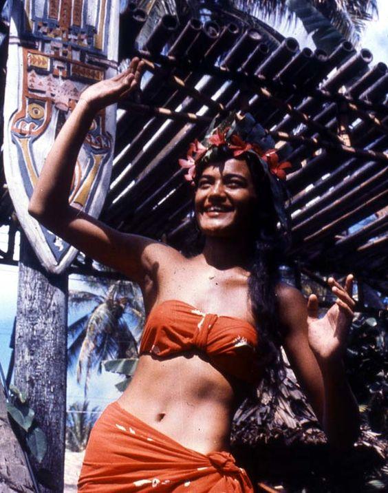 vintage wahine: Island Pride, Beach Favorites, Stoked Surf, Surf Inspirations, Taylor, Costume Inspiration, Hula Costumes, Tahitian Dance, Hot Wahine