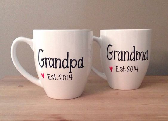 Pregnancy reveal mugs, grandparents to be, pregnancy reveal mugs - I could make these!