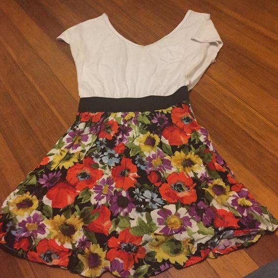 Floral dress Lightly worn Xhilaration Dresses