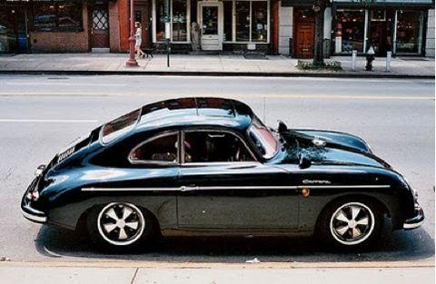 Classic air-cooled 911. Love the Fuchs rims.