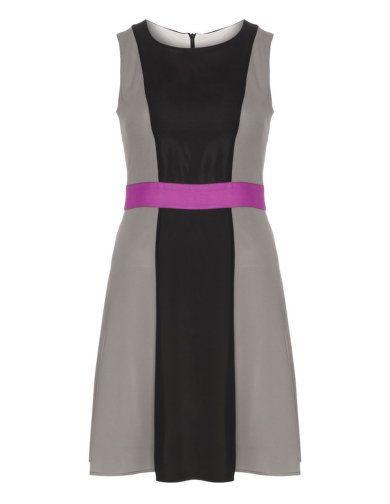 Colourblocking-Kleid von Manon Baptiste. Jetzt entdecken: http://de.navabi.ch/kleider-manon-baptiste-colourblocking-kleid-schwarz-bunt-20280-2405.html?utm_source=pinterest&utm_medium=social-media&utm_campaign=pin-it