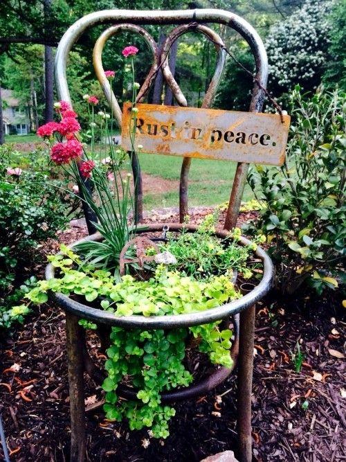 95 Rostige Gartendeko Ideen Fur Ein Bezauberndes Vintage Exterieur Wohnideen Und Dekoration Garten Deko Stuhl Metall Gartenskulptur