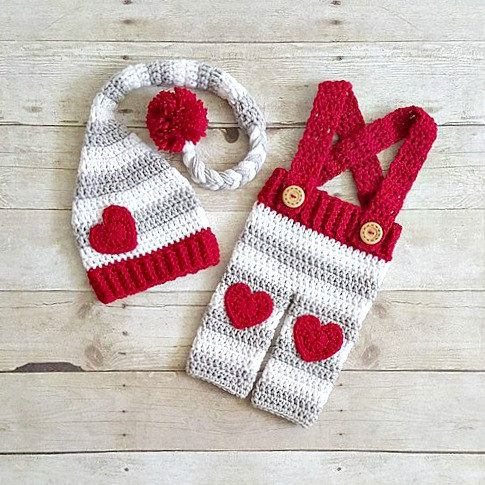 Crochet Baby Valentine's Day Stocking Cap Hat Beanie Pants Overalls Set Diaper Cover Striped Newborn Infant Photo Photography Prop Handmade