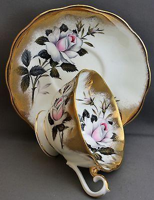 Royal Albert Teacup & Saucer-White Roses/gold K 388