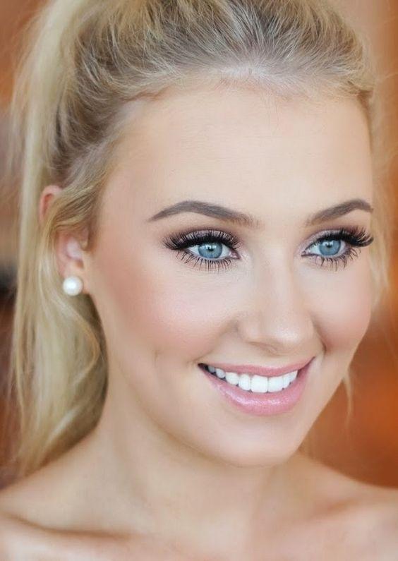 J'aime ce make up très clair qui met en valeur le visage de la mariée