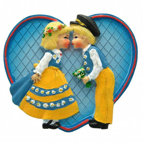 Wedding Favor Fridge Magnet Swedish Kissing Couple