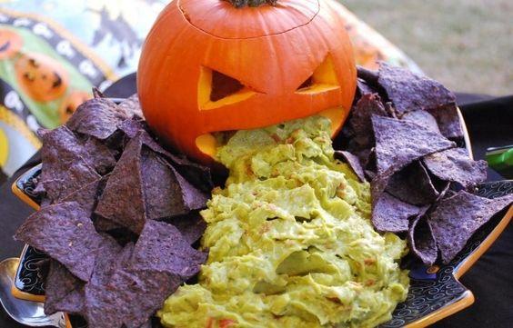 halloween essen rezepte ideen kotzender kürbiss guakamole