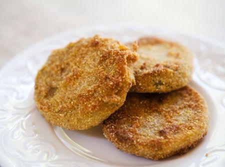 Tomates Verdes Fritos - Veja mais em: http://www.cybercook.com.br/receita-de-tomates-verdes-fritos.html?codigo=10332