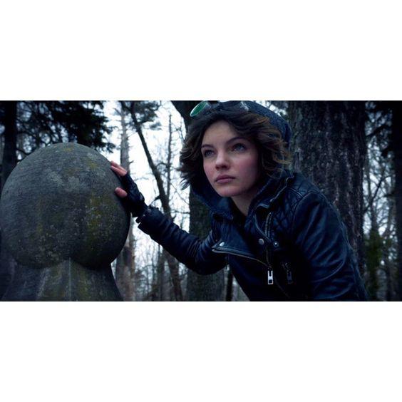 Kobieta-Kot w opałach ❤ liked on Polyvore featuring gotham
