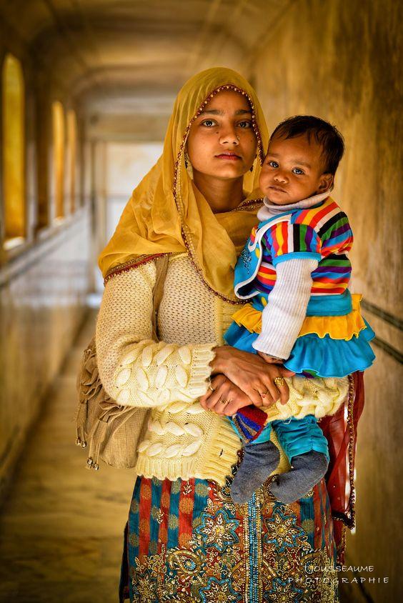 Mother + Child, Amber fort, Jaipur