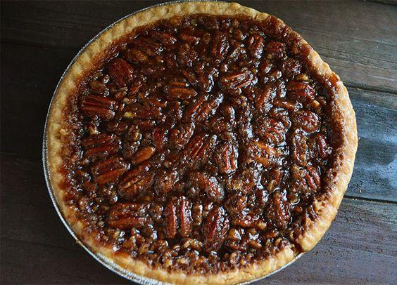 Vegan Thanksgiving: Homemade Bourbon Vegan Pecan Pie Without Corn Syrup - Vegetarian Snob