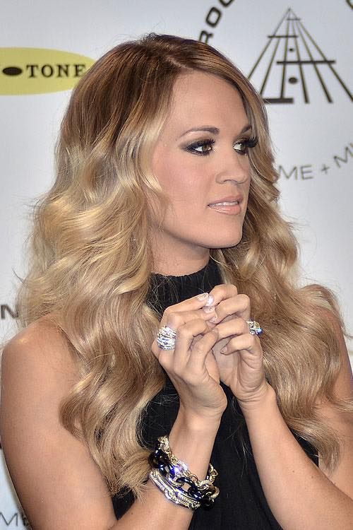 Pin By Hmjpark On Country Music Singers Hair Styles Carrie