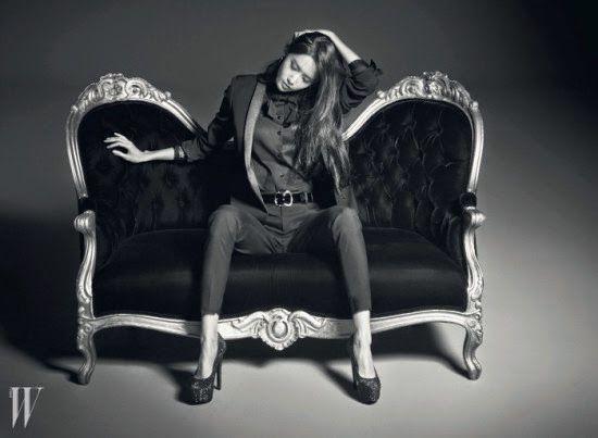 妞快報:她的美沒有極限!潤娥露腹肌拍雜誌照展現成熟姊姊風 | 娛樂圈 | 妞新聞 niusnews