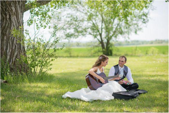 Romantic Spring Wedding | Manhattan Kansas Wedding | Kansas Wedding Photographers | Salt & Pine Photography | Seattle & Destination Wedding Photographers | www.saltandpinephoto.com | #kansas #romantic #spring #wedding