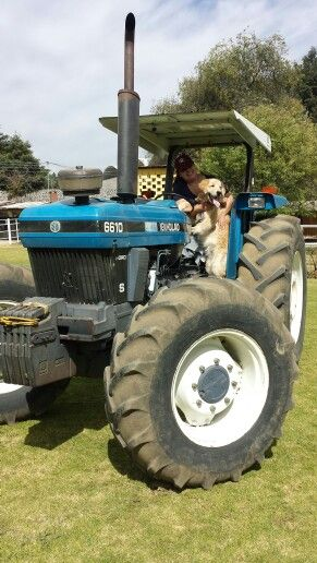 Martí manejando el tractor !