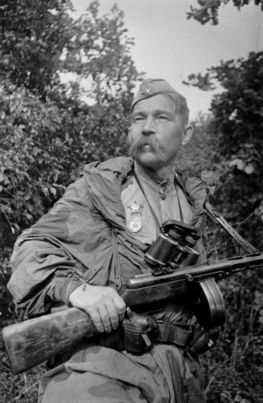 Разведчик, гвардии старший сержант Алексей Фролченко [3]
