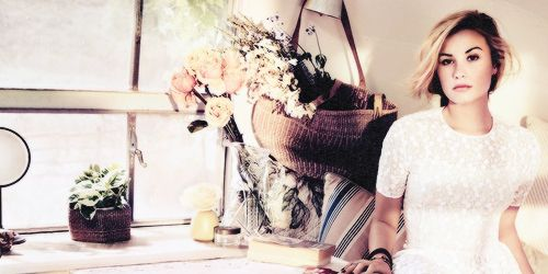 The inspirational Demi Lovato. <3