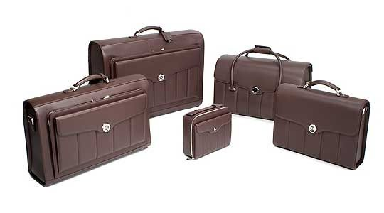 Alfred Dunhill Luggage--Chapter 72