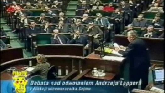 2001 Lepper wymienia sumy pieniedzy i nazwiska politykow mafijnych w Polsce cz. 2.  http://sowa.blog.quicksnake.pl/Andrzej-Lepper  Prokurator nie może osłaniać mafii, która opłaciła polityków, żeby dla niej pracowali w Sejmie. Lepper w Sejmie 2001 r. ujawnił nazwiska, sumy, polityków pracujących dla mafii. Mogli chcieć go zabić, żeby uchodzić nadal za polityków, a nie ludzi mafii.: