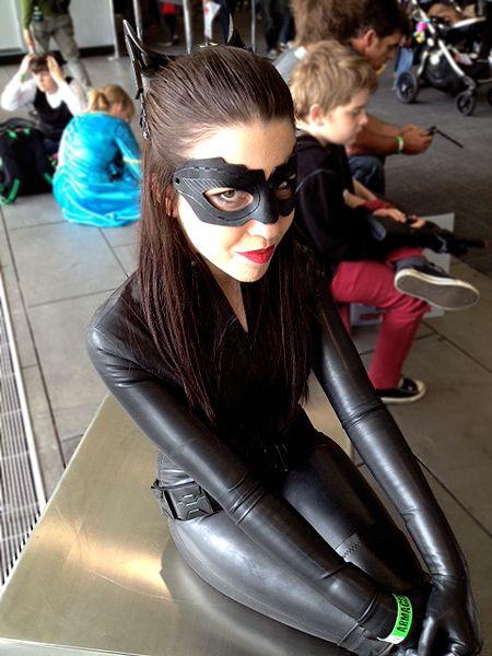 Catwoman es otro personaje que nunca puede faltar a las convenciones y hasta se pueden encontrar con varias versiones.