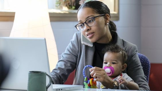 Flexible Work Hours Help Moms Close The Wage Gap, & Employers Should Take Note