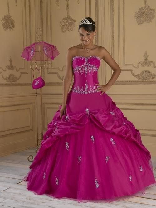 Robe de mariée rose fushia  Mariage, cocktail  Pinterest  Roses
