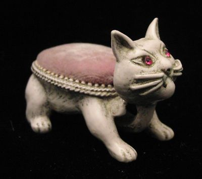 Vintage FLORENZA Costume Jewelry Pink Cat Nodder Pin Cushion Rhinestone Eyes