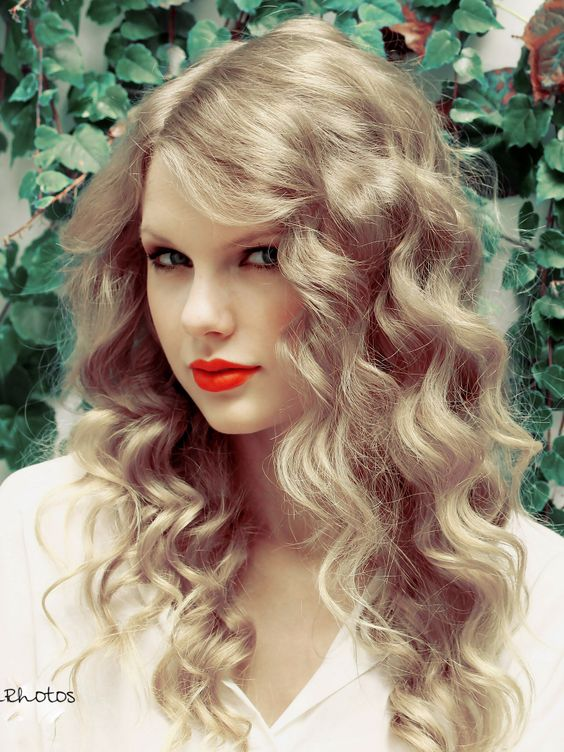 Swif Taylor Hot Girl So Cute Please visit our website @ http://22taylorswift.com