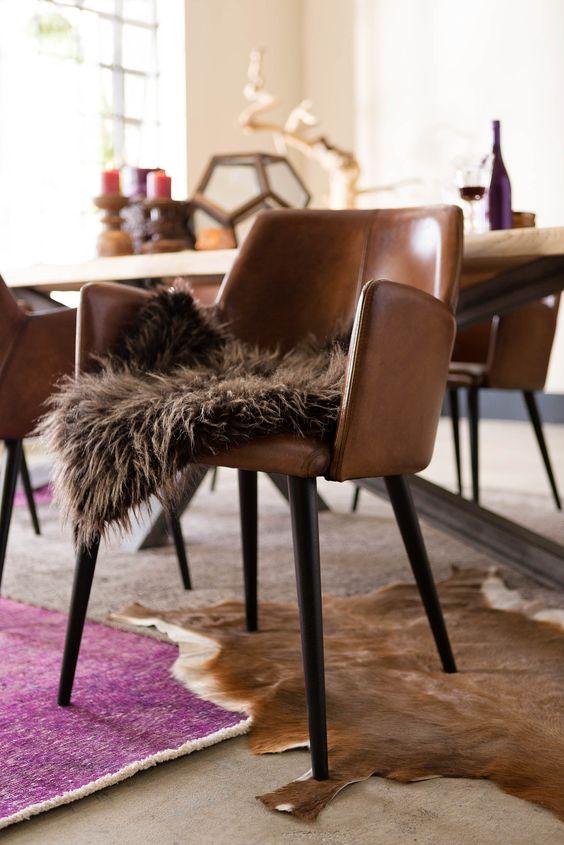Adembenemende vormgeving volgens Scandinavisch design, zo laat eetkamerstoel Baltazar zich het makkelijkst omschrijven. Het ontwerp bestaat uit een 'zwevende' kuip, gestoffeerd met hand ingewassen kwaliteitsleder.