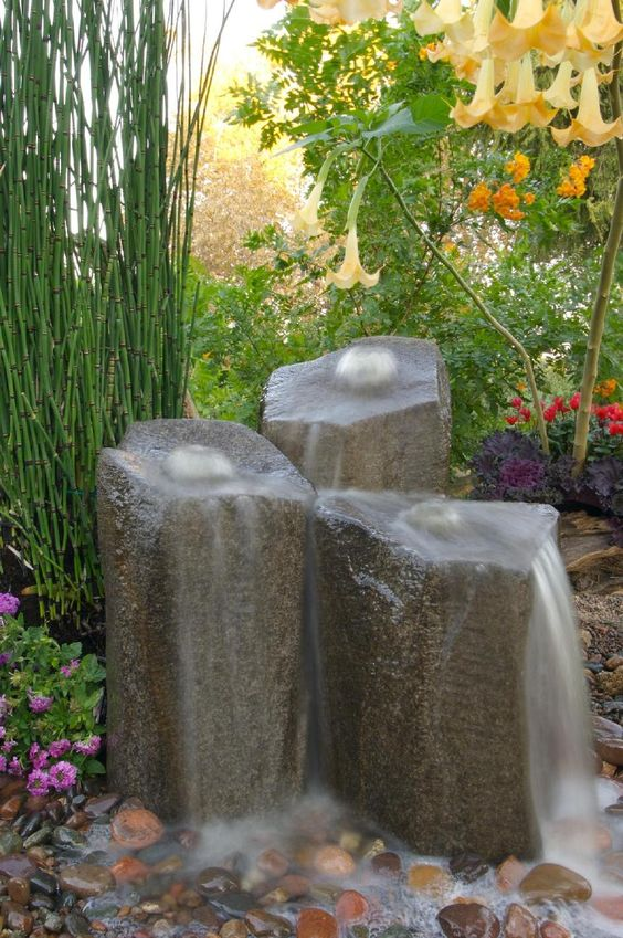 Small backyard water features water gardens ponds and - Small backyard water features ...