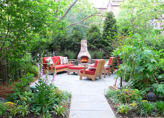 Cool fire pit and nice patio.