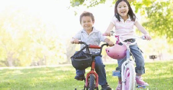 Hãy để con té ngã nếu muốn con biết đi xe đạp nhanh chóng