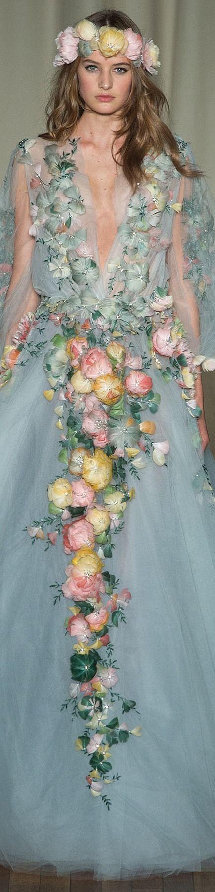Corona de flores | Flores por todas partes| Se nota ¡Llegó la primavera! | Diseñador: Marchesa | Primavera 2015