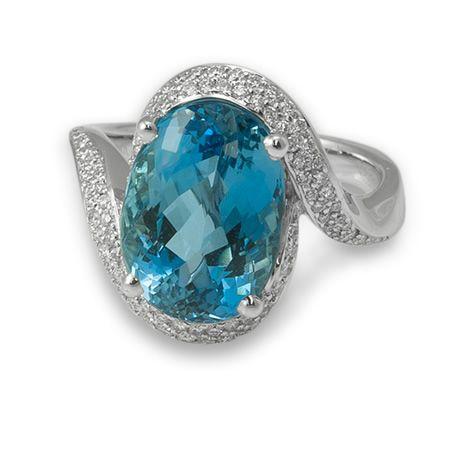 White Gold Aquamarine Ring