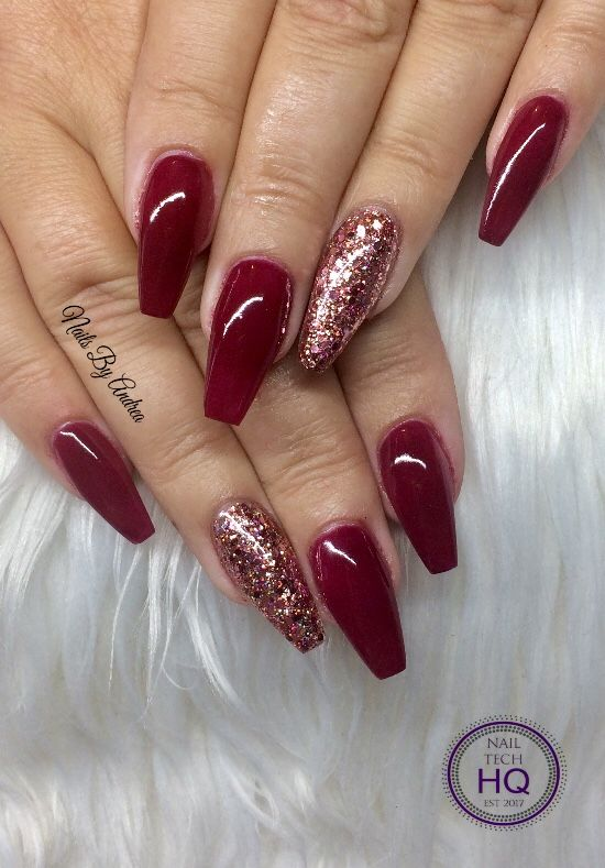 nails burgundy christmas glitter