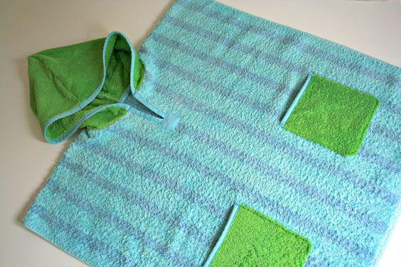 Badeponcho aus einem alten Handtuch