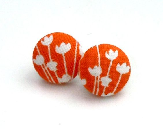 button earrings ooo I want these so bad!