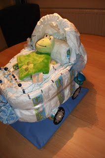 Kinderwagen aus Windeln