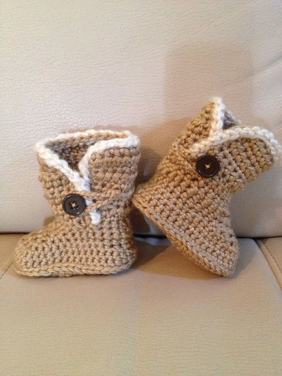 Free Crochet Pattern Baby Ugg Booties : Pinterest The world s catalog of ideas