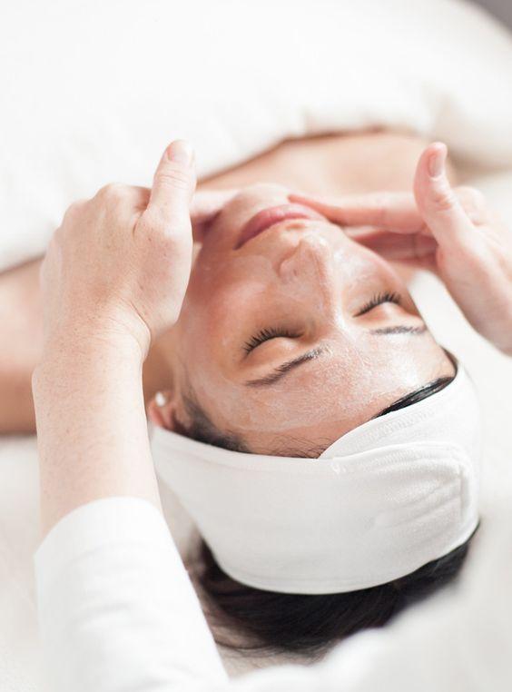روتین روزانه برای پوست حساس-خانومی