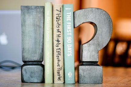 Have you ever thought about creating your own bookends? Here are 21 interesting ideas for creating some.