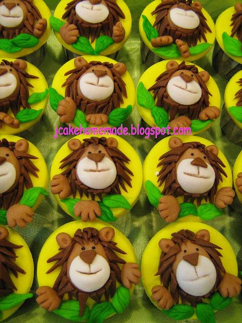 Lion Theme Cupcakes by Jcakehomemade, via Flickr