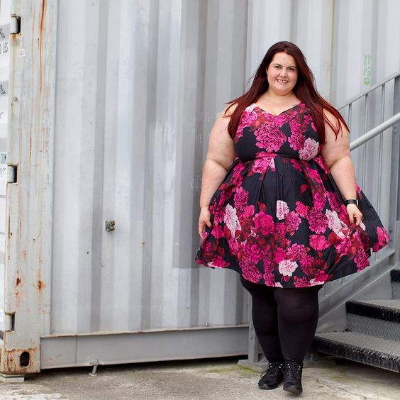 That moment when your hair matches your dress  Dress  #gifted  by @citychiconline, stockings by @sonsee_woman, boots by @numberoneshoes  by @ambientlightblog  #nzstylecurvettes
