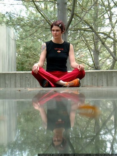 How to Meditate, For Beginners: A 3-Step Guide To Finding Your Seat As a Meditator | Bustle