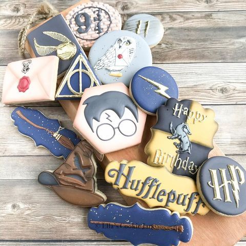 Harry Potter Birthday Party Ideas For The Most Magical Bash In 2020 Harry Potter Birthday Harry Potter Candy Harry Potter Desserts