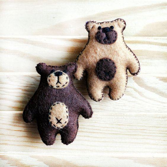 Bear Brooch, brown, beige, Felt Brooch, animal Original brooch,felt pin, bear pin, Original gift for women, Present for Her, handmade brooch