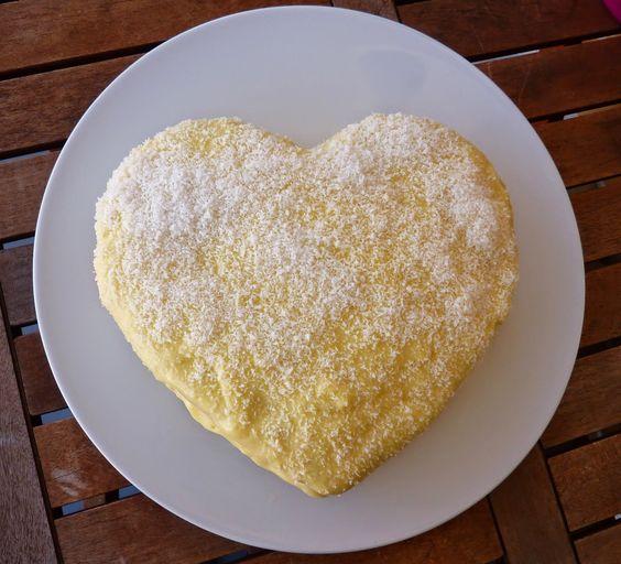 As Receitas da Patanisca: Dia um na cozinha...Bolo fino de limão http://www.receitasdapatanisca.blogspot.pt/2014/09/dia-um-na-cozinhabolo-fino-de-limao.html