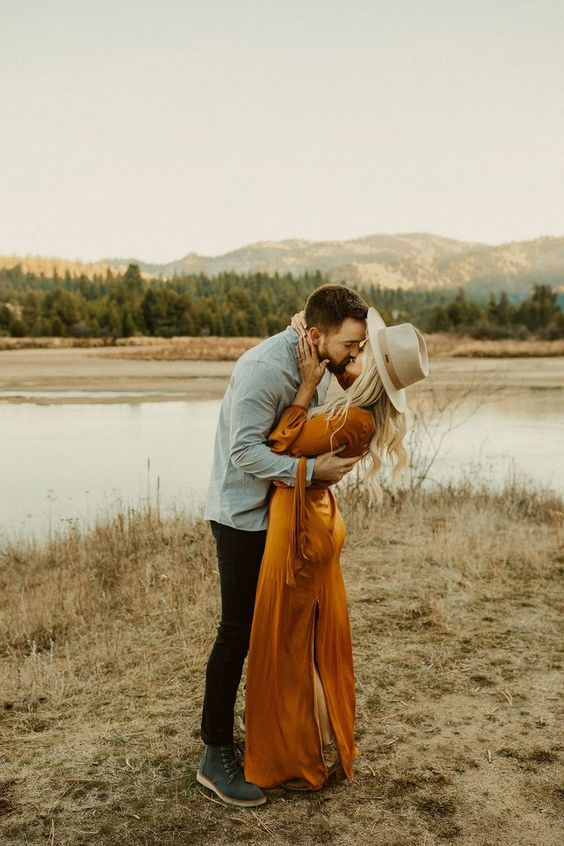 McCall Idaho Engagements // Kortney + Jake Golden Evening in the Mountains